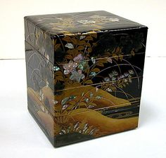 Tiered Box with Design of Bellflower and Autumn Grasses, Japan, Edo period (1615–1868)