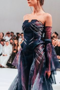 3400 likes, 17 comments - This collection tells the tale of a struggling hen which inspired our details down to their frag Couture Fashion, Runway Fashion, High Fashion, Retro Fashion, Boho Fashion, Fashion Tips, Mode Costume, Fantasy Gowns, Fantasy Outfits