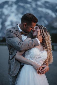 #weddingphotography #salzburgweddingphotography #salzburghochzeitsfotografie #hochzeitsfotografie #destinationwedding #salzburgweddingphotographer #salzburgphotographer #austriaweddingphotographer #weddingphotos #weddinginspiration #wanderlust #wanderlustwedding  #mountainwedding #berghochzeit #inspirationwedding #creativwedding #brideandgroom #weddingideas #adventuresession #elopementphotographer #elopement Weddingideas, Find Image, Destination Wedding, Wedding Photos, Wanderlust, Wedding Inspiration, Wedding Photography, Couple Photos, Creative