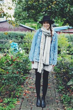 Willa's Cherry Bomb: Blogtober 22. // OOTD: Second Hand