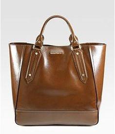 Classic handbags - Burberry.