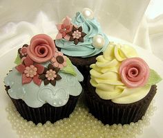 Cupcake Ideas For Bridal Shower (Source: weddingcupcakes.org)