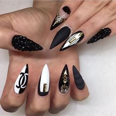 As the trend is increasing rapidly, women who are crazy for nail designs on regular intervals are planning to try easy stiletto nails designs and Ideas Dope Nails, Bling Nails, Fun Nails, Beautiful Nail Art, Gorgeous Nails, Nagel Bling, Stiletto Nail Art, Stiletto Nail Designs, Pointy Nails