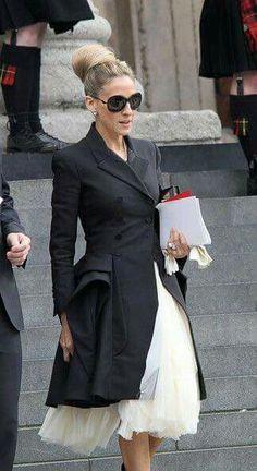 Moda Inspiração /SJP style / Sarah Jessica Parker style #celebritystyle #coat
