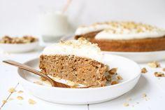Ik ben echt gek op Carrot Cake! Heerlijke warme en kruidige smaken en een dikke cream-cheese laag… Mmm, zó lekker! Ondanks dat er wortel in zit is een Carrot Cake door de grote hoeveelheid suiker niet erg gezond. Dus het stond al een tijdje op …