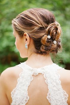 Hairstyle || See the wedding on SMP: http://www.StyleMePretty.com/northwest-weddings/2014/02/18/turquoise-coral-whimsical-robinswood-house-wedding/ Aura May Photography