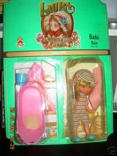 Buscando rarezas, me he encontrado con las siguientes muñecas Laura que no aparecen en ningún catálogo. Son la Laura Tienda, Laura Aseo y La...
