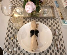 gorge place setting - flowers and shine