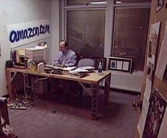 Jeff Bezos office in – interestingasfuck - Gave Ideer Sell Music, Powerful Motivational Quotes, Inspirational, What Is Your Goal, Hard Work Pays Off, Work Hard, Something Big, Thinking Outside The Box, You Gave Up