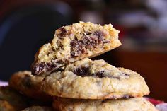 The eccentric Cook: Candy Stuffed Peanut Butter Oatmeal Cookies