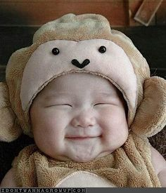 cute asian baby in costume. I love Asian babies. If I don't end up marrying an Asian, I'm gonna have to adopt an Asian baby! So Cute Baby, Baby Kind, Cute Kids, Baby Kostüm, Baby Boys, Pic Baby, Child Baby, Cute Asian Babies, Cute Babies