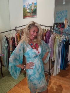 A kimono kind of day! Kimono, Cover Up, Feminine, Bohemian, Women's Fashion, How To Make, Color, Dresses, Design