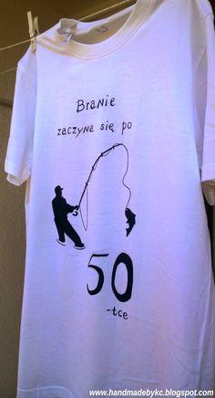 Koszulka ręcznie malowana, branie zaczyna się po 50-tce. #handmade #diy #tshirt