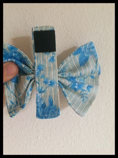 Adventures in stitching: canine bow-tie tutorial! – Best Suit's – Dog Supplies Bow Tie Tutorial, Paracord Tutorial, Bowtie Pattern, Dog Bandanas Pattern, Diy Dog Collar, Dog Collars, Diy Tumblr, Dog Clothes Patterns, Dog Bows