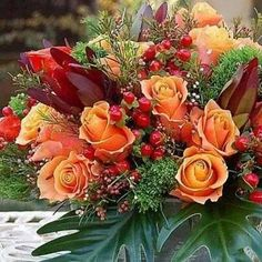 Fall Wedding Flowers Best images about Flower Arrangement,fall flowers for weddi… - Modern Fall Wedding Bouquets, Fall Wedding Flowers, Fall Flowers, Christmas Tree With Gifts, Christmas Poinsettia, Bouquet Images, Fall Flower Arrangements, Spring Door Wreaths, Flower Pictures