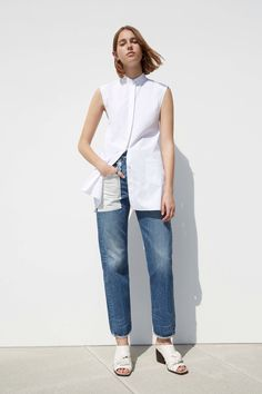 See the complete Helmut Lang Resort 2017 collection.