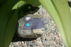 Story stones.  Activity for kids.  Link is to how to.