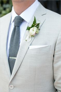 #lightgreysuit #groom @weddingchicks