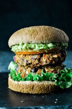 Make my Hearty Vegan Black Bean Burger in less than 30 minutes for the whole family. Healthy and delicious! Vegan Bean Burger, Black Bean Veggie Burger, Black Bean Burgers, Black Burger, Vegetarian Burgers, Vegan Dinner Recipes, Vegan Recipes Easy, Whole Food Recipes, Vegetarian Recipes