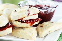 The Perfect Cranberry Scone-http://www.12tomatoes.com/2013/11/recipe-cranberry-scones-prefect-for-teatime.html