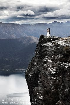 LOVE the drama and depth of field! Get Married!!!    Queenstown Wedding - Photography by Alpine Image Co. Ltd