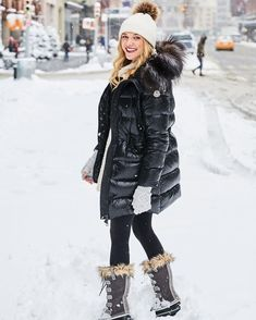winter outfits snow 39 First Snow Day, You Can Wea - winteroutfits Winter Mode Outfits, Cold Weather Outfits, Winter Outfits Women, Winter Coats Women, Casual Winter Outfits, Winter Fashion Outfits, Winter Jackets, Winter Snow Outfits, Winter Looks