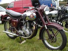 A 1954 BSA belonging to a member of the Moonrakers section of the VMCC. British Motorcycles, Triumph Motorcycles, Vintage Motorcycles, Standard Motorcycles, Classic Motors, Classic Bikes, Classic Cars, Vintage Bikes, Vintage Cars