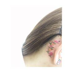 : flower behind ear  . . . #tattooistbanul #tattoo #tattooing #tattooworkers #tattooink #tattoodesign #flower #flowertattoo #colortattoo #타투이스트바늘 #바늘 #타투 #꽃타투 #꽃