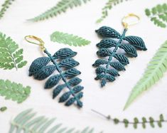 Sleeping Woods by SleepingWoods on Etsy Macrame Earrings, Macrame Jewelry, Drop Earrings, Earrings Handmade, Handmade Jewelry, Etsy Seller, Small B, Micro Macramé, Jewelry Crafts