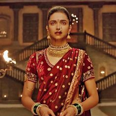 "deepika padukones graceful look in bajirao mastanis ""pinga"""