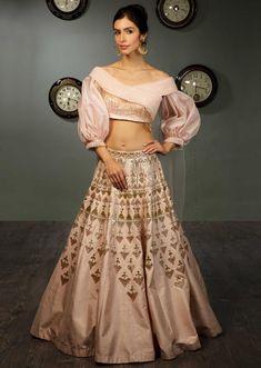 Powder Pink Lehenga In Raw Silk With Crepe Blouse With Ruching And Organza Balloon Sleeves Online - Kalki Fashion Raw Silk Lehenga, Lehenga Blouse, Lehnga Dress, Pink Lehenga, Stylish Blouse Design, Fancy Blouse Designs, Designs For Dresses, Lehenga Choli Designs, Indian Fashion Dresses