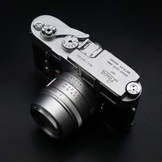 2 APO passionleica from leica is part of Vintage cameras photography 2 APO passionleica from leica - Antique Cameras, Old Cameras, Vintage Cameras, Canon Cameras, Canon Lens, Leica M, Rolleiflex Camera, Leica Photography, Black And White