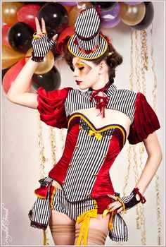 Circus ensemble (7 pieces)  pin up & burlesque style.