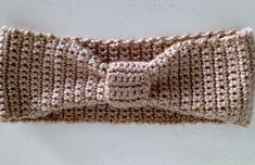 FAIXA DE CABELO DE CROCHÊ Crochet Bebe, Crochet Poncho, Crochet Top, Crochet Hats, Head Wraps, Fascinator, Crochet Bikini, Diy And Crafts, Women