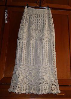 Para crocheteiras de plantão que ficaram     babando como eu com essa saia aí vai a     receitinha de como fazer!     Eu vou faze...