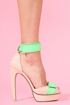 Love!! I know pink and green.  But it is still cute