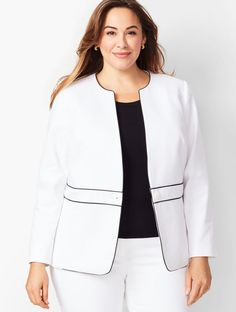 Shop Talbots for modern classic women's styles. You'll be a standout in our Dobby Weave Piped One-Button Jacket - only at Talbots! Curvy Fashion, Plus Size Fashion, Look Office, Dobby Weave, Maria Jose, Batik Dress, Diy Keychain, Classic Style Women, Jacket Buttons
