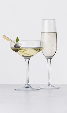 Perfection cocktail glas fra Holmegaard. Palace champagneglas fra Luigi Bormioli. Til smuk servering af aftens drinks. #inspirationdk #drinksglas