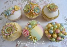 Magnificent! These are seriously some outstanding and beautiful Cupcakes!!