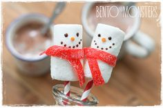 Last year just after Christmas, I saw some inari sushi snowmen online. Christmas Parties, Christmas Candy, Christmas Treats, Xmas, Marshmallow Snowman, Marshmallow Pops, Snowman Images, Snowman Cookies, Classroom Treats