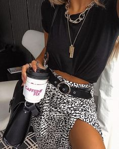 Schnittmuster Rock Outfit ø - # ø You are in the right place about Rock Style clothing Here we offer you the most beautiful pictures about the Rock Style o Rock Outfits, Fall Outfits, Summer Outfits, Casual Outfits, Cute Outfits, Grunge Outfits, Skirt Outfits, Look Fashion, Skirt Fashion