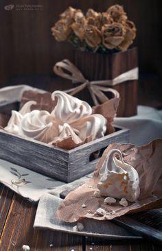 Sweet meringues Photo: Olga Tkachenko