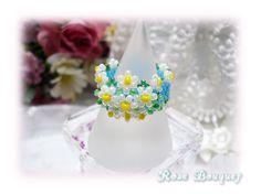 ♪商品詳細 ☆明るいブルーのアームにマーガレットの花が可愛いビーズステッチリングです。☆デリカビーズで編んでいますので、しなやかで、とても着け心地が良いです。...|ハンドメイド、手作り、手仕事品の通販・販売・購入ならCreema。
