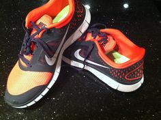 Lunar Free Run, orange and black