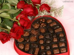 Chocolates are the most popular, most consuming and favorite sweet throughout the world. Yummy mouthwatering best chocolates are here for you. Chocolate Hearts, I Love Chocolate, Chocolate Lovers, Valentine Chocolate, Chocolate Quotes, Chocolate Candies, Chocolate Food, Chocolate Gifts, Chocolate Cupcakes