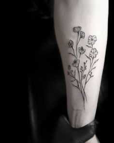 Stella Luo Creates Mesmerizing Minimalist Tattoos