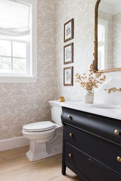 Bathroom Renos, Bathroom Interior, Bathroom Ideas, Interior Livingroom, Bathroom Organization, Bathroom Renovations, Powder Room Wallpaper, Grey Wallpaper Bathroom, Grey Toile Wallpaper