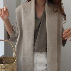 Minimalist Fashion - My Minimalist Living Iranian Women Fashion, Korean Fashion, Shades Of Beige, Fashion Outfits, Womens Fashion, Classy Outfits, Well Dressed, Minimalist Fashion, Her Style