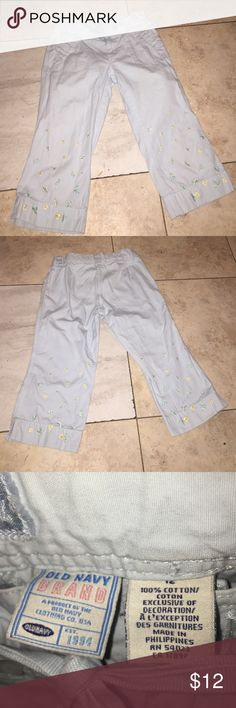 Old Navy Blue Cargo Pants Nice powder Blue Old Navy Cargo Pants in Excellent Condition! 2 pocket size 12 Cute embroidery Flowers Old Navy Bottoms Casual