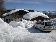 Vor dem Haus gibt es 2 Parkplätze, die auch im Winter geräumt werden